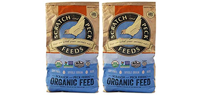Scratch and Peck Naturally Free - Organic Layer Feed for Chickens and Ducks